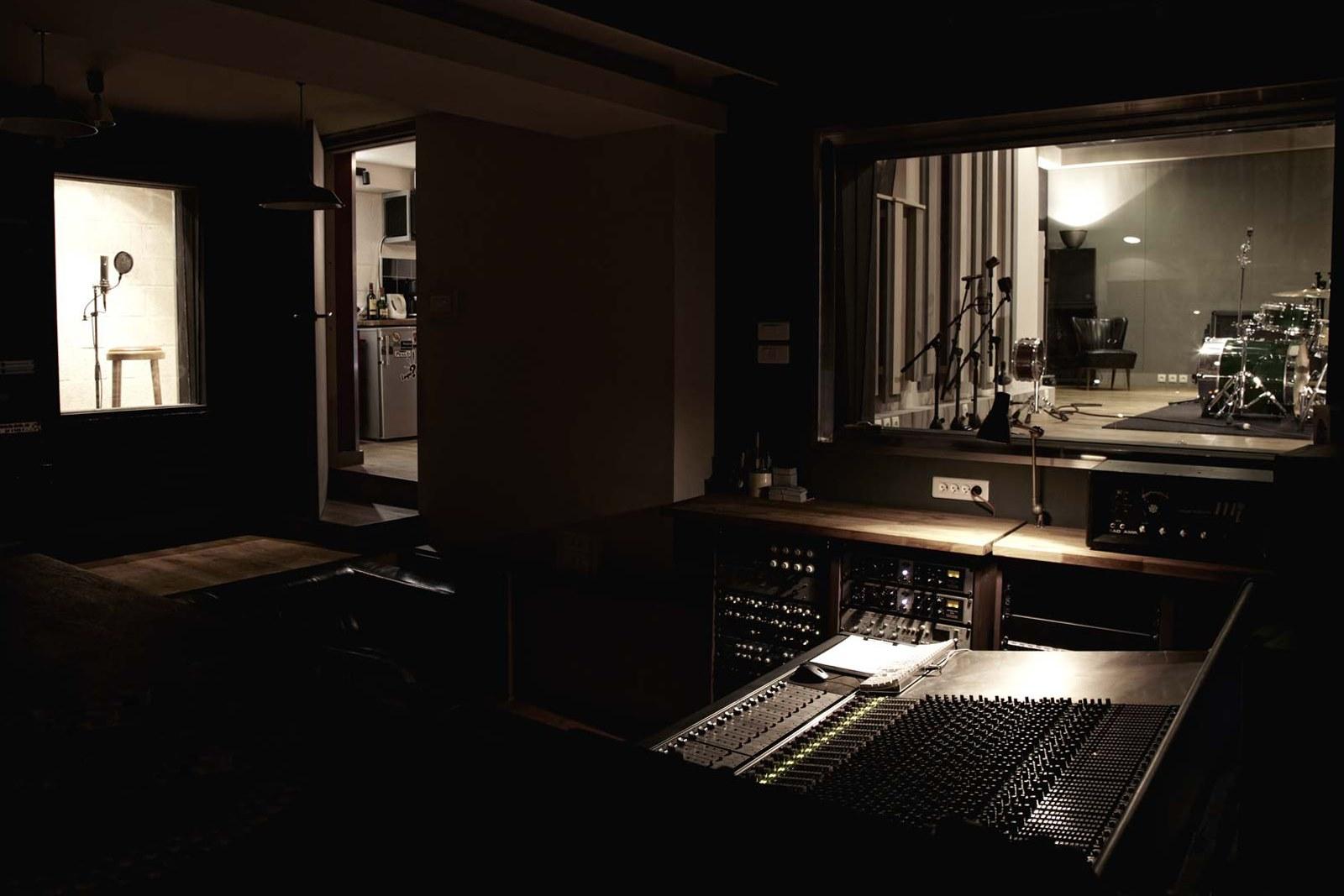 studio musique paris idf onetwopassit. Black Bedroom Furniture Sets. Home Design Ideas
